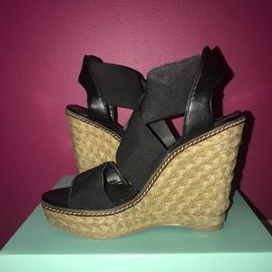JS By Jessica Simpson Black Wedge 7.5
